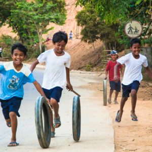 フィリピンの貧困の現状は?子どもの教育や暮らしとは?私たちにできる支援方法