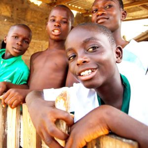 深刻な水・衛生事情に苦しむアフリカの子どもたちにできる支援とは