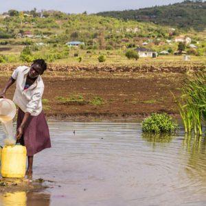 アフリカの水が汚れている、衛生環境が悪い理由は?解決するための支援活動は?