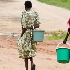 アフリカで強制結婚させられる子どもたちが多い理由、解決のために必要な支援とは