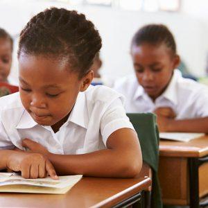 アフリカの教育の現状は?教育を受けられない理由とは