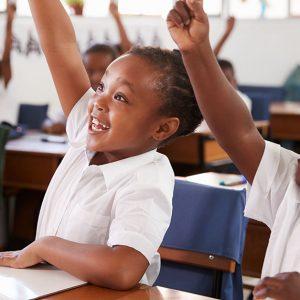 アフリカの教育の男女格差は?女子教育の必要性や女性が進出しているルワンダの取り組みを紹介
