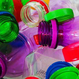 プラスチックのリサイクルは何が問題?日本の現状や対策とは