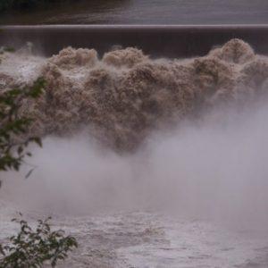 大雨による災害時の保険とは?火災保険の必要性について解説
