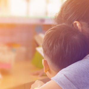 シングルマザー(母子家庭)のために行われている貧困支援とは?