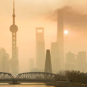 大気汚染防止法とは?歴史的背景や排出規制について知ろう