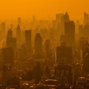 大気汚染による健康被害は社会問題にも。人体への影響や症状を知ろう