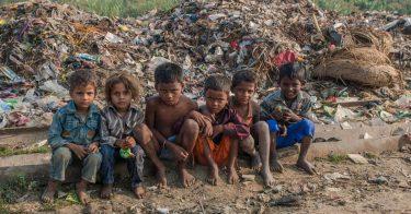 SDGs目標1「貧困をなくそう」のターゲットになる「金融サービスへの管理」の実態とは