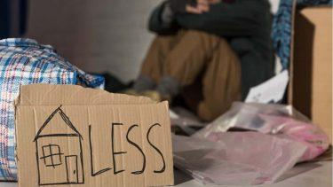 なぜホームレス状態の人が生まれるの?その原因、対策方法とは?