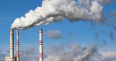 日本の大気汚染は改善している?過去の調査結果を見てみよう