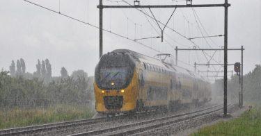 台風による影響とは?新幹線や鉄道、飛行機が受ける影響