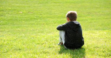 不登校は甘えではない。子どもへの接し方を解説