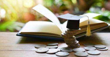 奨学金の返済はいつまでかかるの?繰り上げ返済や一括返済についても紹介