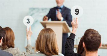 チャリティーオークションはどんなものが開催されている?参加・出品する方法とは