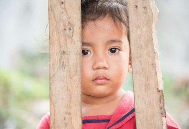 地雷の危険から子どもを守りたい!寄付できる団体を5つ紹介!